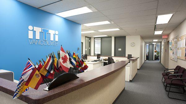 カナダ留学 iTTTi バンクーバー校