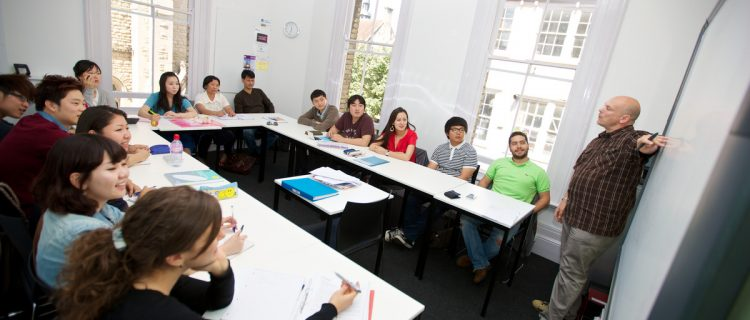 ロンドン/オックスフォードで、英語+アート&デザイン留学