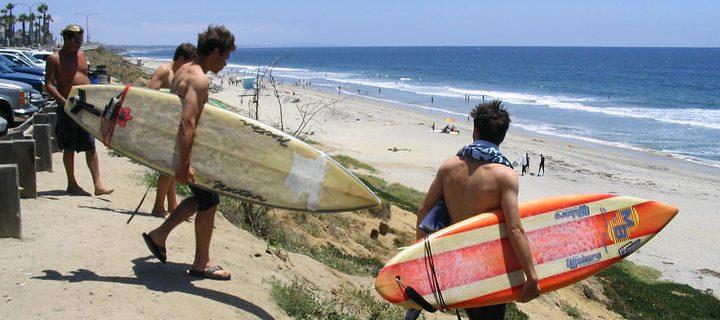 CA州立大フラトン校 サーフィンキャンプ